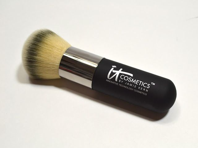 Heavenly Luxe Complexion Perfection Brush #7 by IT Cosmetics #9