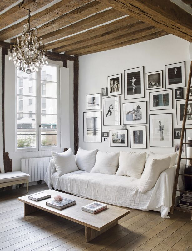 Small uber cool apartment in les marais daily dream for Cool apartment stuff