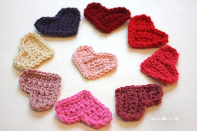 Easy Crochet Heart Pattern | Repeat Crafter Me | Bloglovin\'
