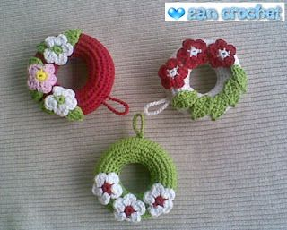 Free Crochet Patterns For Christmas Flowers : Christmas Wreath Ornament with flowers Free Amigurumi ...