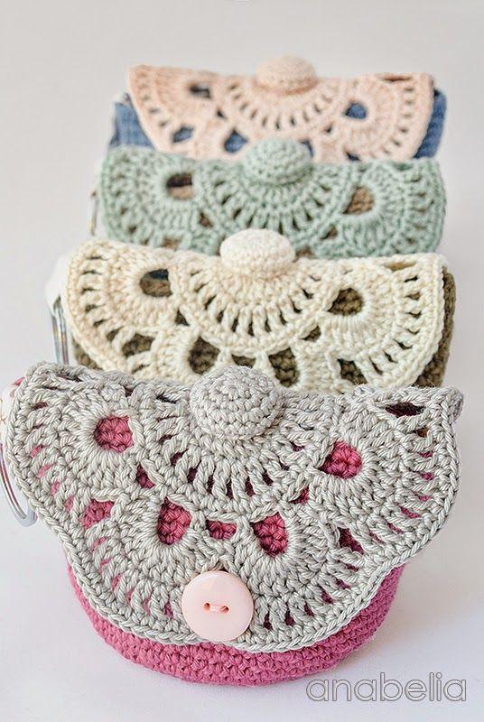 DIY: MakeUp crochet pouches | Anabelia Craft Design blog | Bloglovin\'