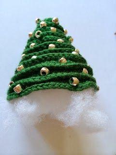 Kerstboompje Haken Crochet Christmastree Ornament Bees And
