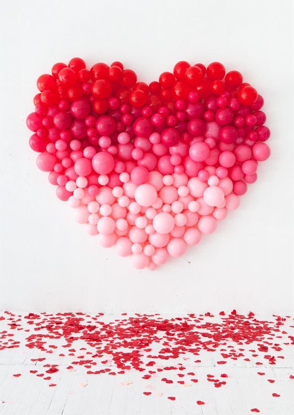Сърце от балони.