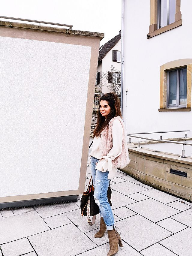outfit: Pearl jeans, feather vest and my current favorite sweater ...