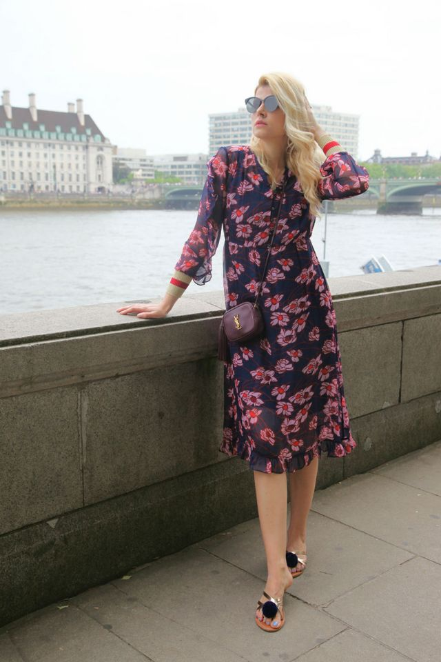 b84f03bbe01c Outfit  Monday vibes with Baum und Pferdgarten dress. Pin. Share