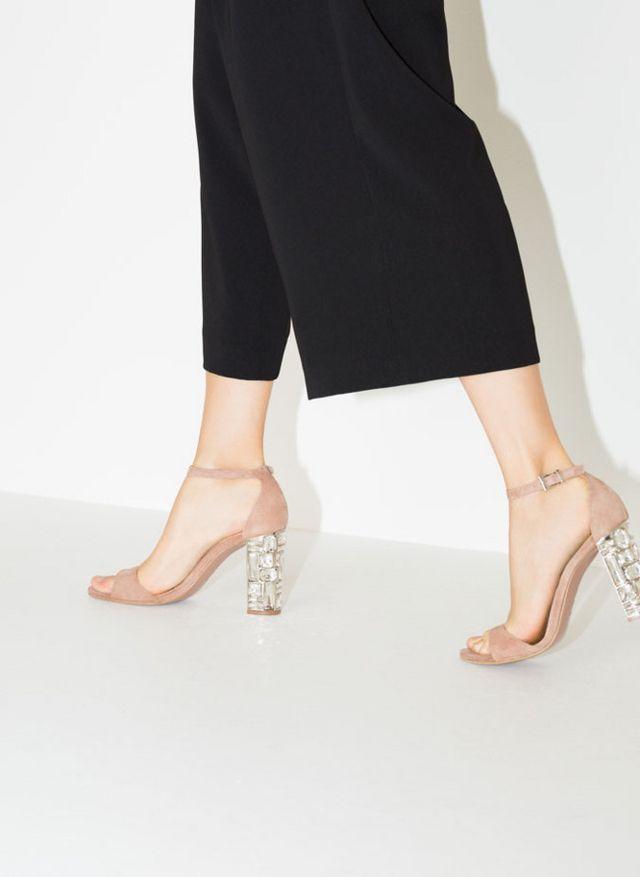 b2287ce66 Los 7 zapatos que tu armario desea de la nueva colección de Uterqüe ...