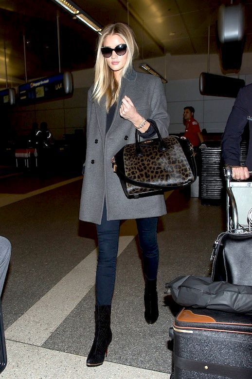f90601ace7ca What Rosie Huntington-Whiteley Wears To Look Chic While Traveling ...