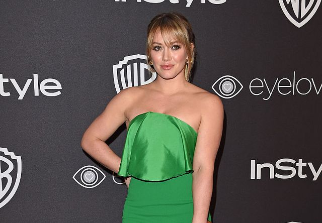 79676c5e819240 Hilary Duff's oxblood leggings are the perfect workout color ...