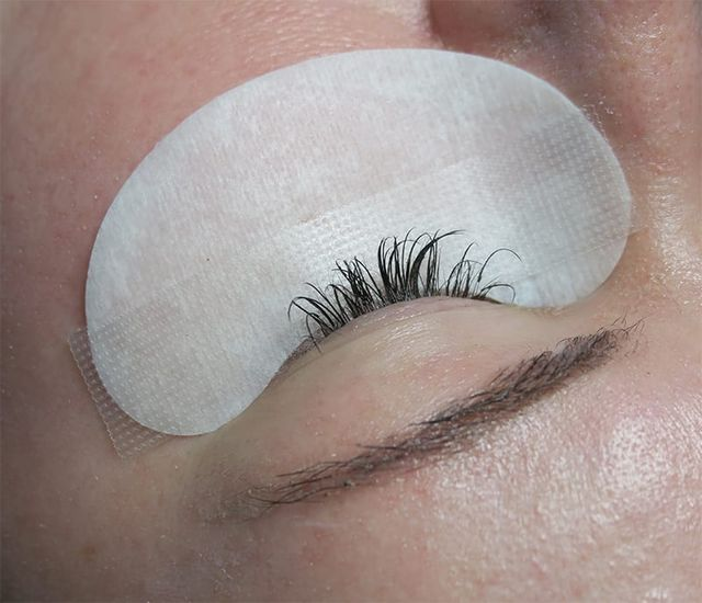 6a0cc2b2334 This is what my lashes look like before a refill. A cool gel-like pad is  placed along the lower lid to keep the lower lashes out of the way, ...