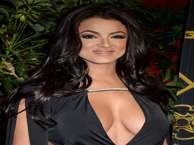 Shahs Of Sunset Star Golnesa Gg Gharachedaghi Is Married To A
