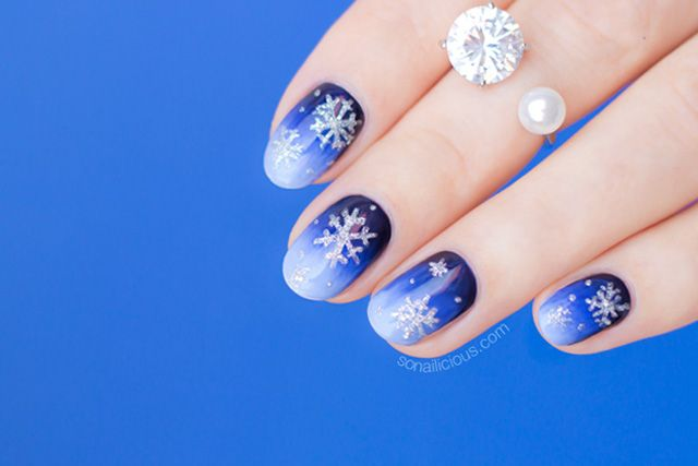 white christmas nails from siberia with love - White Christmas Nails
