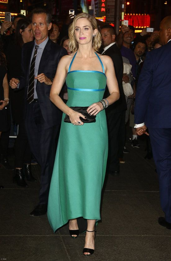"Emily Blunt in Prada at ""The Girl on the Train"" New York Premiere ..."