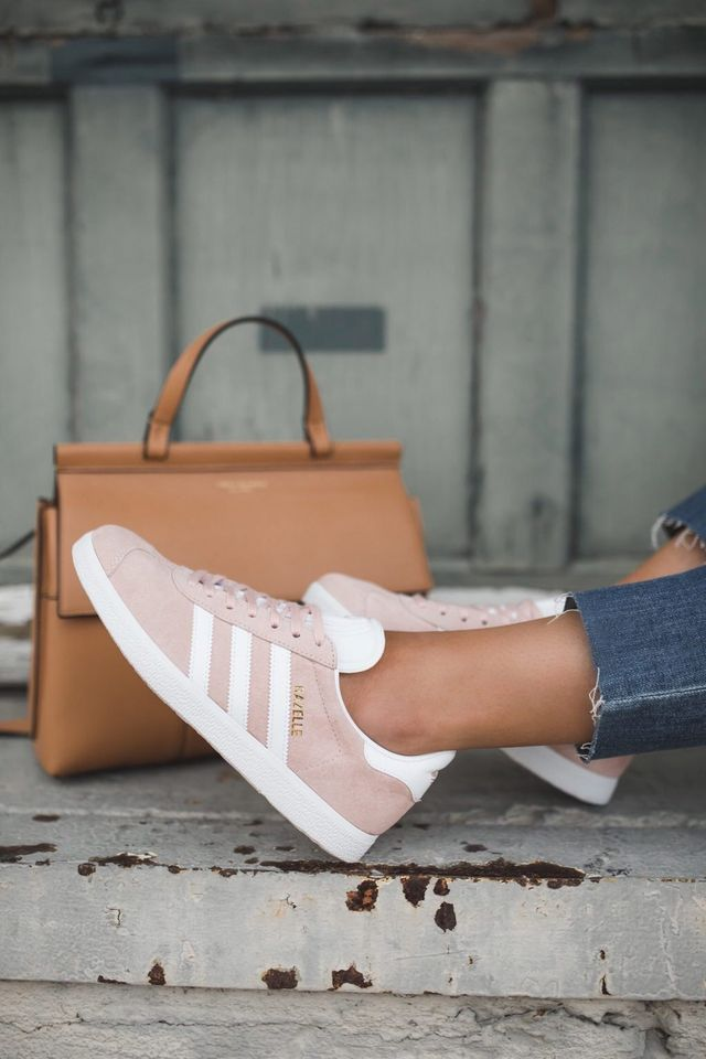 Pink tennis shoes are having a major moment right now. And I'm loving it!  I've been anxious to get my hands on a pair of the pink Adidas Gazelle ...
