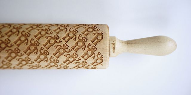 Custom Engraved Rolling Pins Imprint Patterns Into Cookie