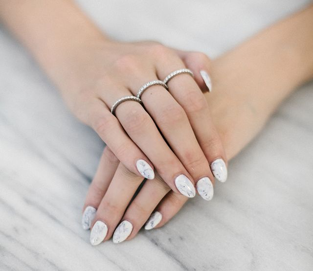 White Marble Nails | Carly Cristman | Bloglovin\'