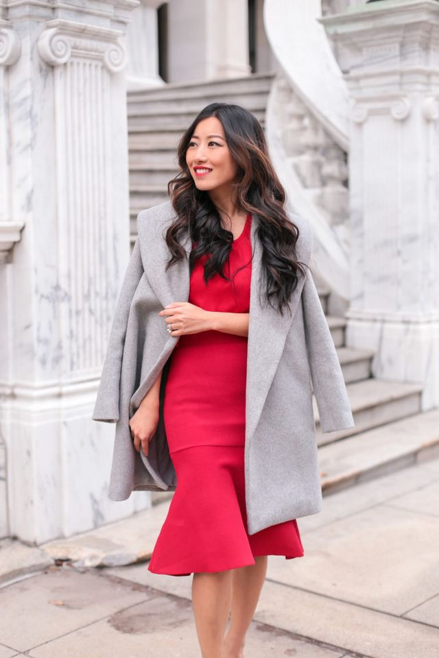 f4e010ef82 Lady in Red    Flared knit skirt + ruffle sleeve top