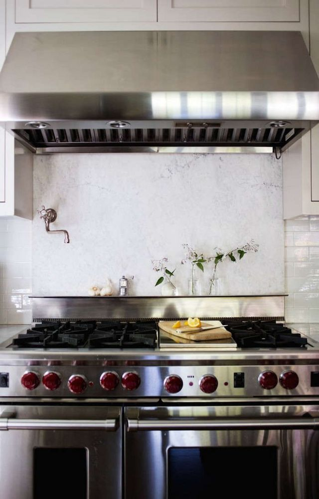 Above Michelle Specced A Wolf Range In Her Mill Valley Kitchen Redo Read Why She Does Not Recommend Putting Marble Backsplash Behind The Stove