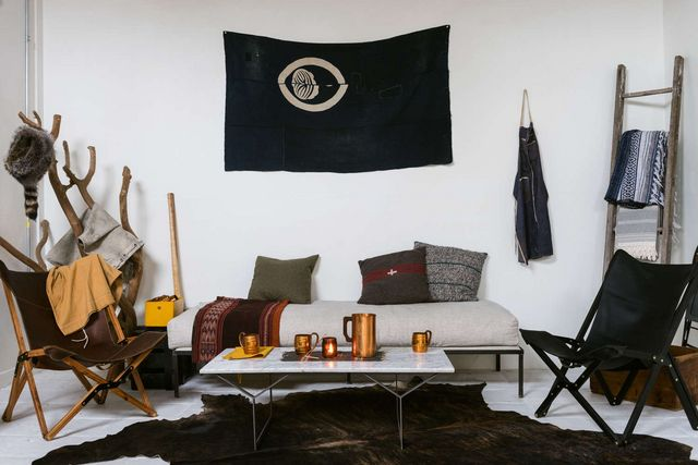 The British Campaign Chair by Way of Texas | Remodelista