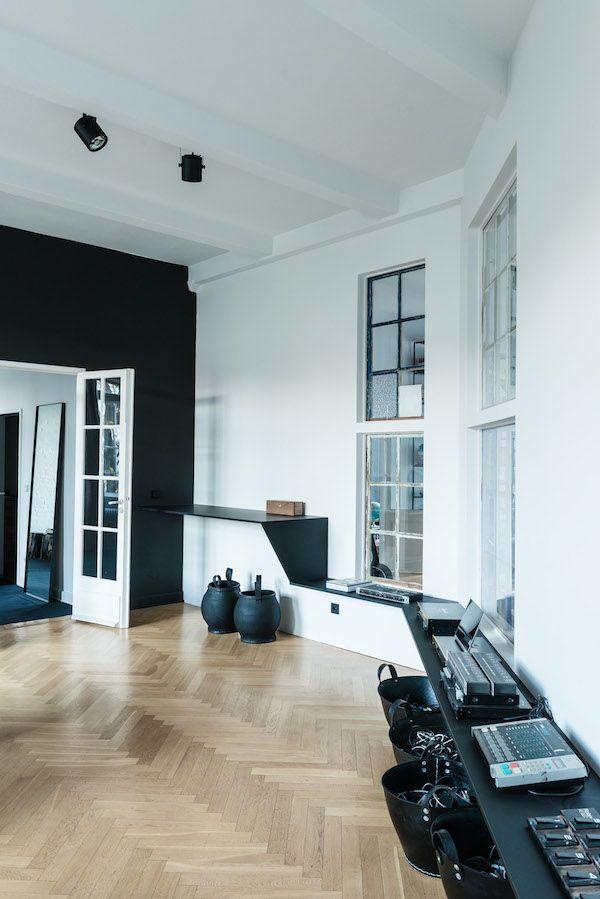 an amazing loft apartment studio in berlin vosgesparis bloglovin. Black Bedroom Furniture Sets. Home Design Ideas