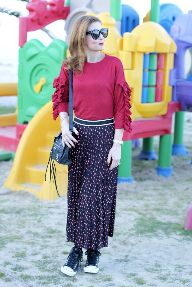 c412563d5cce Skirt and Converse shoes  a touch of red