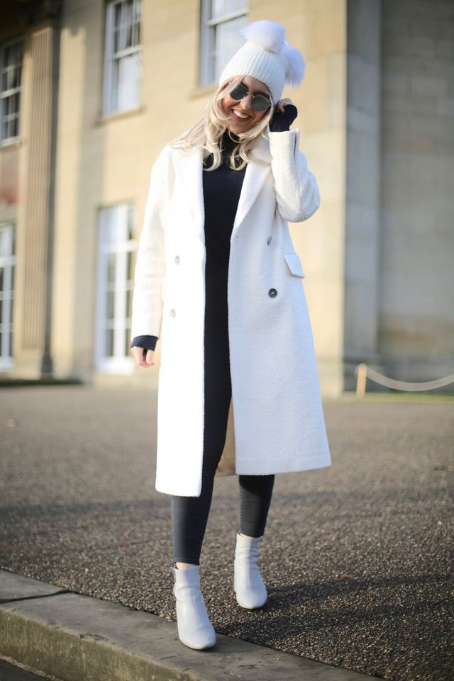 4ee59d3f87aa A White Christmas  Styling A White Coat And Monochrome Outfit ...