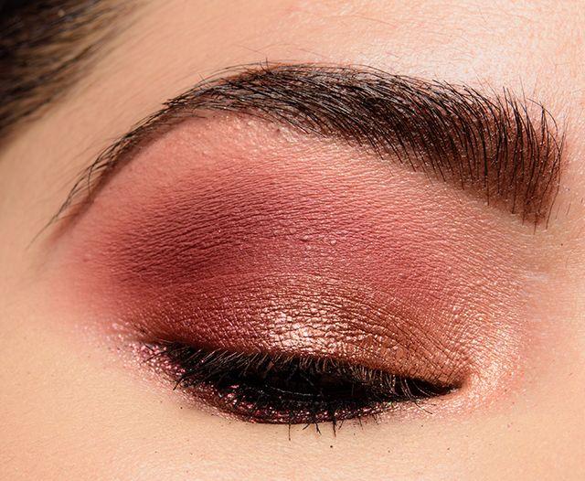 �ล�าร���หารู��า�สำหรั� Huda Beauty The New Nude Eyeshadow Palette