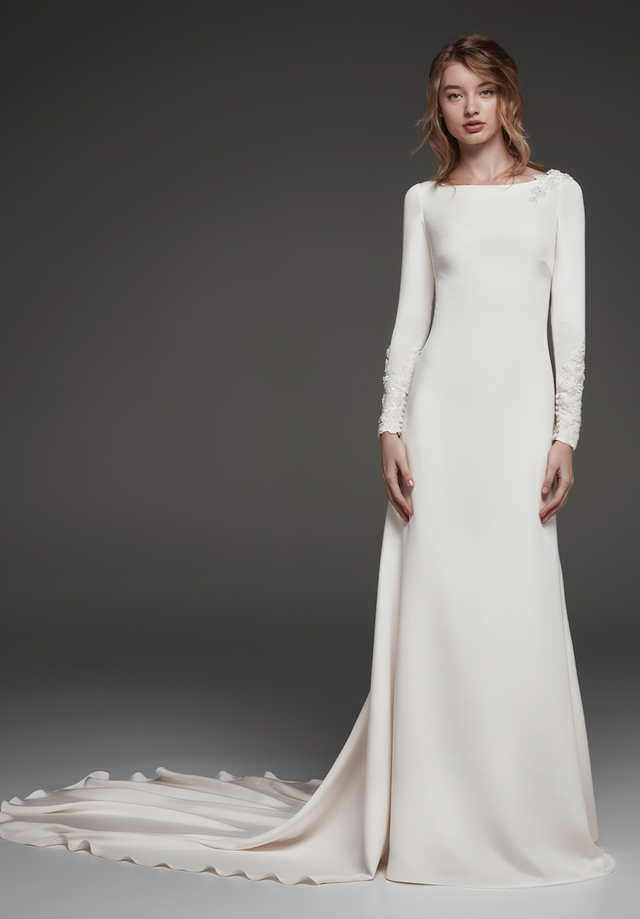 974ba72bdc4 Spanish Brides Are Obsessed With This Wedding Dress Trend ...