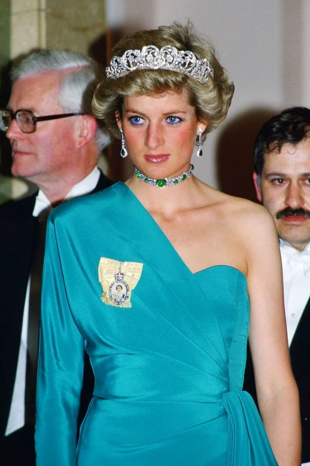 These Princess Diana Fashion Trends Will Never Get Old Whowhatwear Com Bloglovin