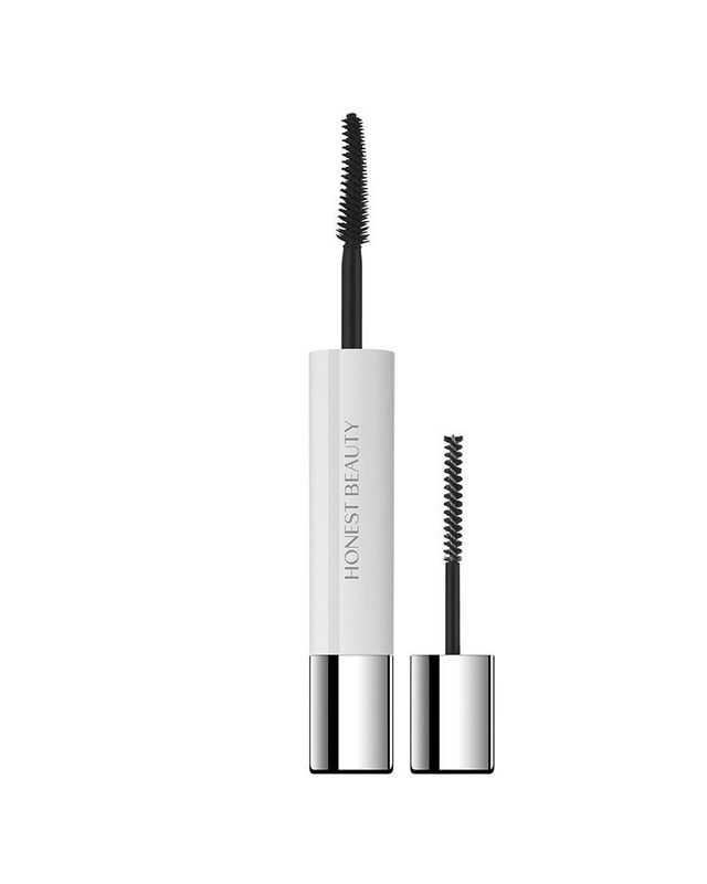 0ab18f0c24f It's a dual-ended product, offering up a lash primer to boost length and  volume ...