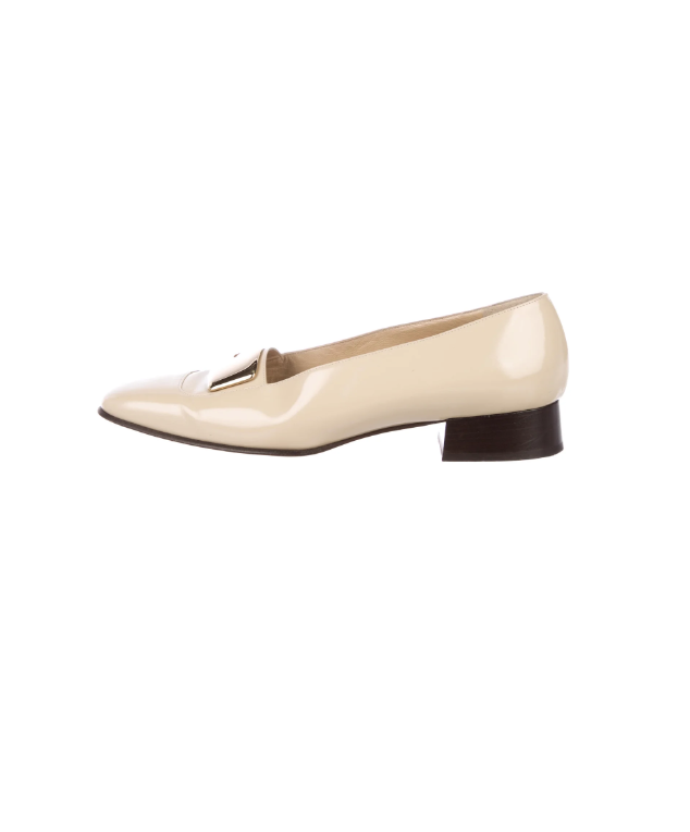 585254df2d616 20 Gucci and Manolo Blahnik Shoes That Are Somehow Under $200 ...