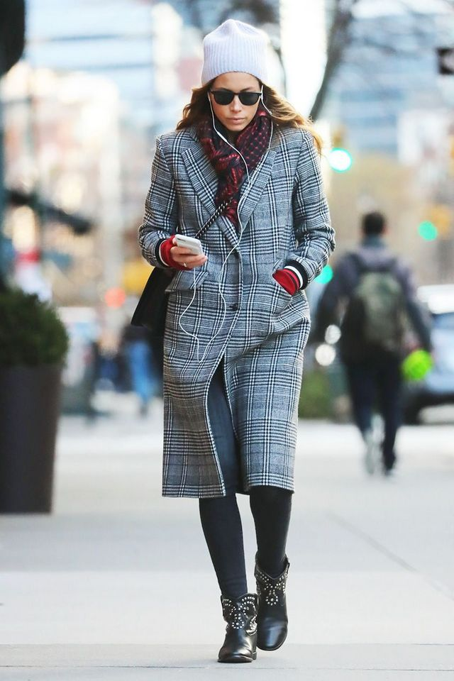 32146da24e8 Keep scrolling to shop the pieces to wear with black skinny jeans in 2019,  according to Jessica Biel.