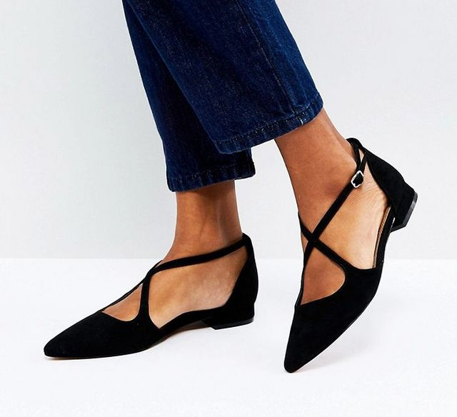 df6f8d05182 Flat, pointed shoes elevate a pair of figure-hugging jeans to no end. A  color-popping style like these cult Aquazzura lace-ups adds further  interest.