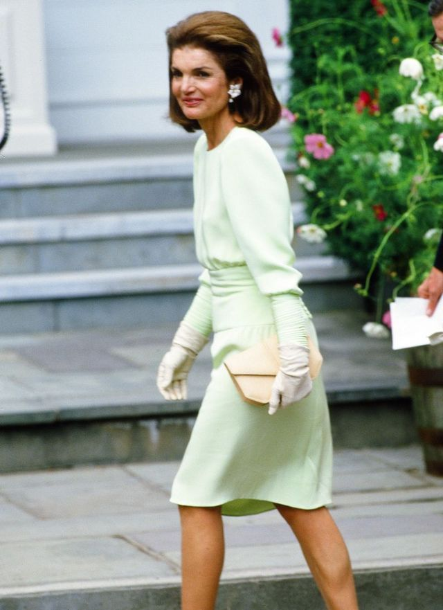 6201ce55ec This Jackie Kennedy Outfit From 1986 Has a Hidden Meghan Markle ...