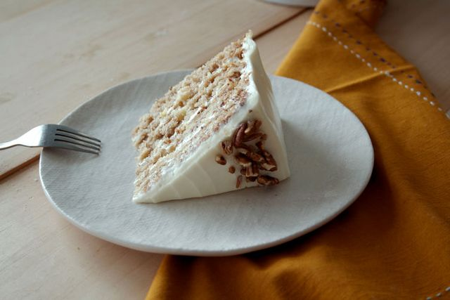 Hummingbird cake carrot cake 39 s southern cousin food52 for Table 52 hummingbird cake