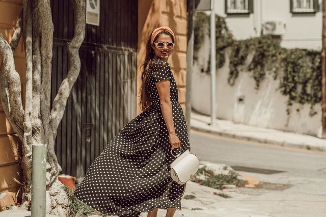 How To Wear A Long Dotted Dress Seams For A Desire