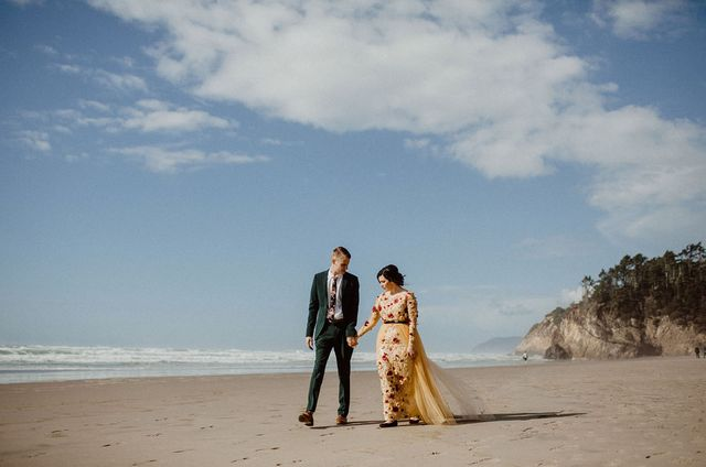 These Two Pulled Off a Last-Minute Wedding Relocation Without a ...