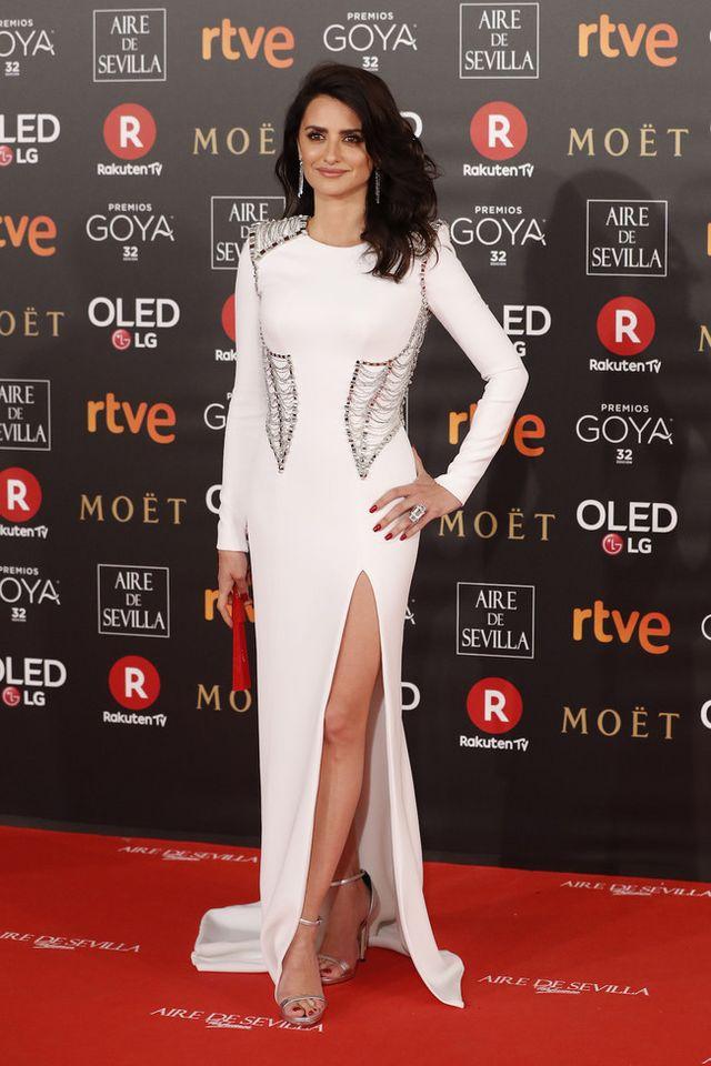 30d3a7cd7 Toda la alfombra roja de los Premios Goya 2018  no te pierdas ni un ...