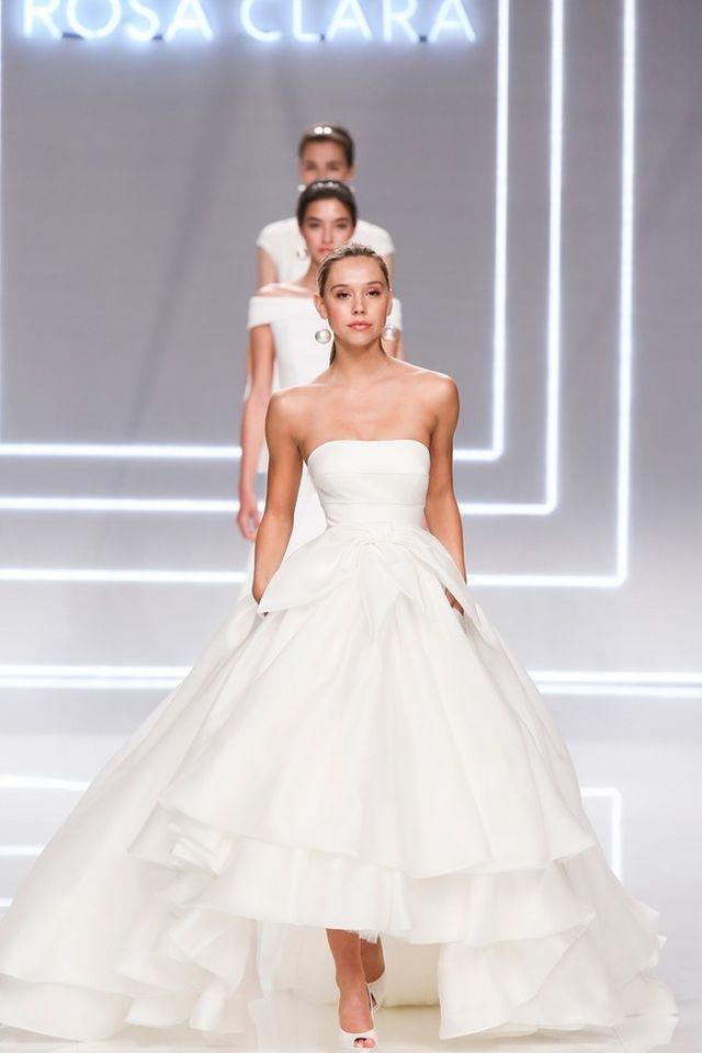 718e9b73a Rosa Clará: Los mejores vestidos de novia de la firma   Trendencias ...