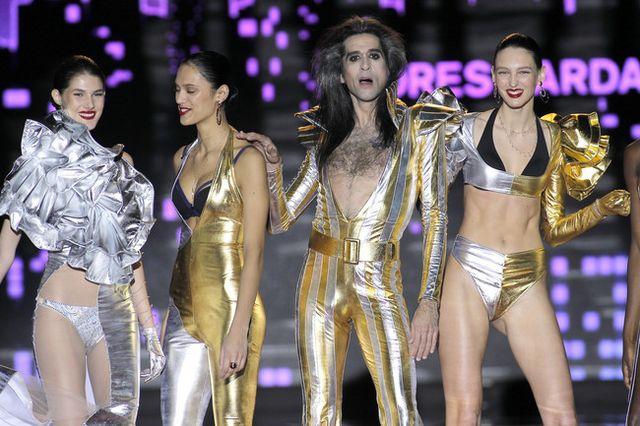 La segunda jornada de la Mercedes-Benz Fashion Week Madrid nos ha dejado  modelitos para todos los gustos e invitados sorpresas. Mario Vaquerizo ha  sido el ... c94a2e19ef