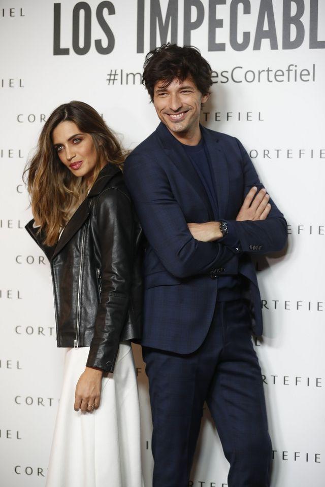 34eb748b8a Sara Carbonero con un look sobresaliente de Cortefiel perfecto para ...