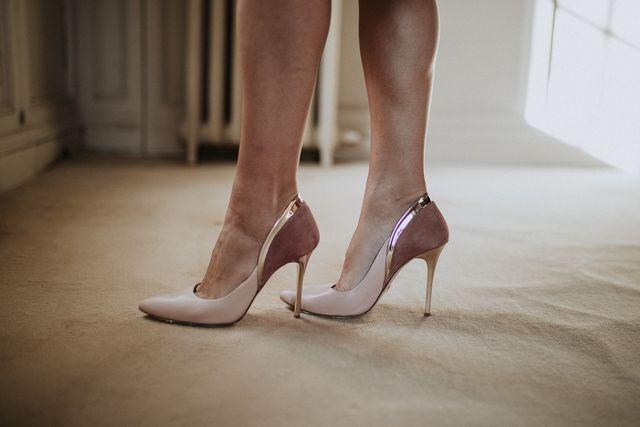 2fc83f23 Una mujer con buenos zapatos nunca es fea, decía Coco Chanel, La prueba  real de la elegancia de una mujer es qué hay en sus pies decía Christian  Dior.