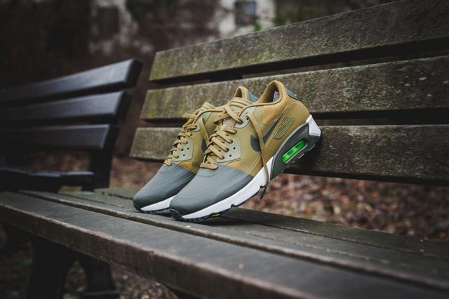 Nike Air Max 90 Ultra 2.0 Mid Winter: Two Colorway Preview