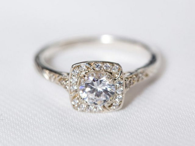 This Pretty Little Liars engagement ring is beautifully
