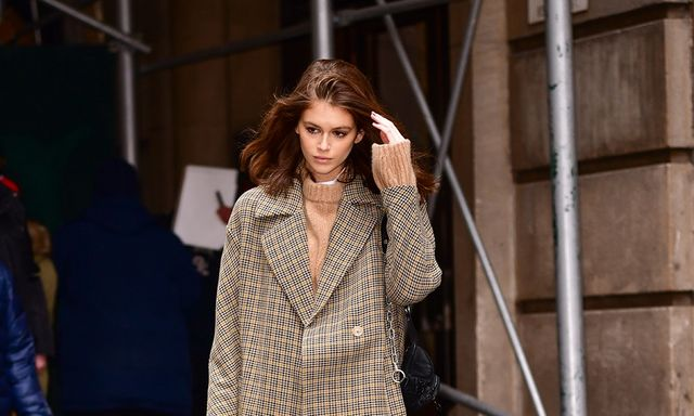6837af4fcf5 Kaia Gerber s Oversized Coat Is An Easy Way To Try Out The Menswear ...