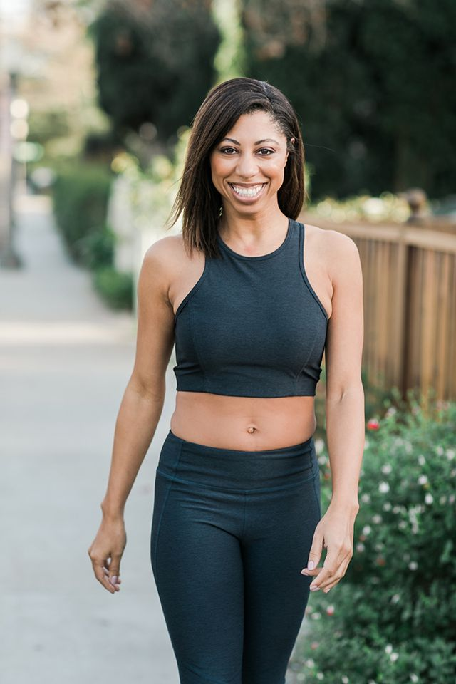 0b4d3ebd0f698 Carmen s OV outfit consists of the Women s Warm Up Kit in black paired with  a Merino Plié Wrap in charcoal. The kit made it super simple for Carmen to  ...