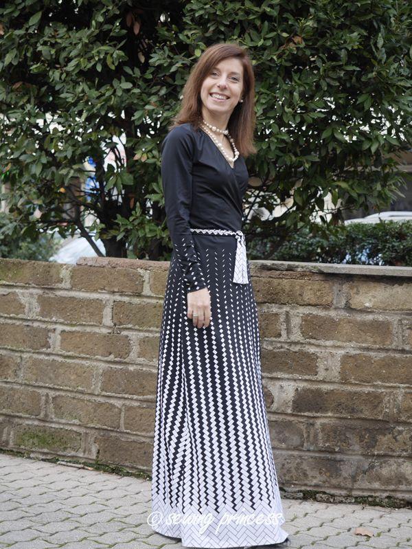 ... non è una delle migliori esperienze. Con 2 metri di lunghezza sono  riuscita a tirarci fuori un vestito nella mia taglia…i vantaggi di essere  basse! 85100f21a1c